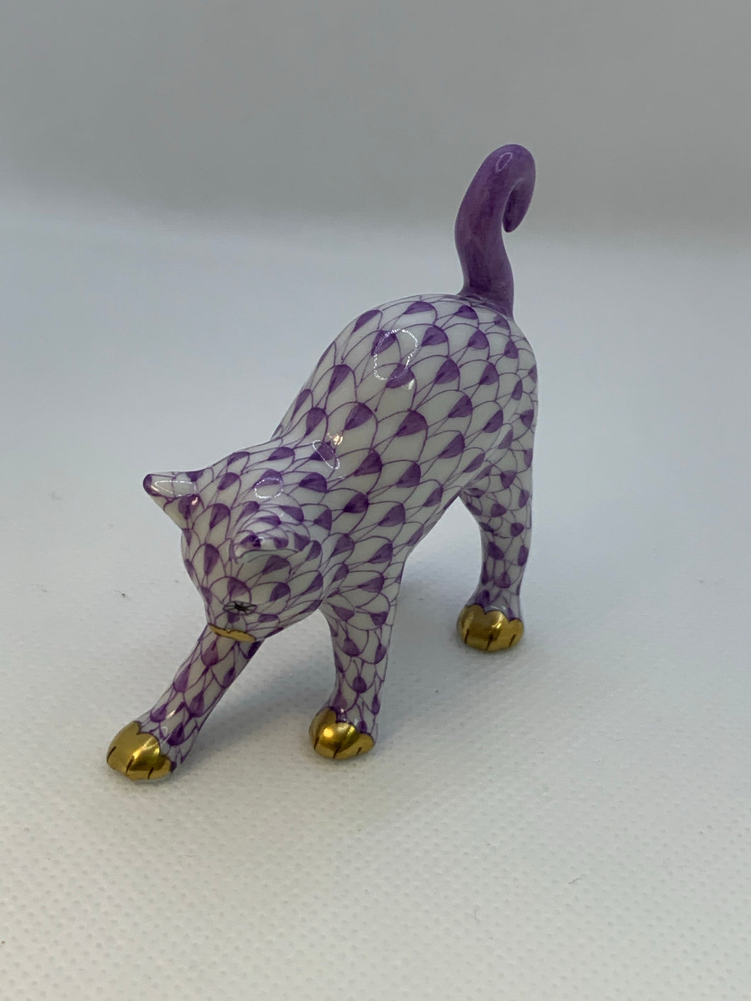 Arched Cat - Lavender