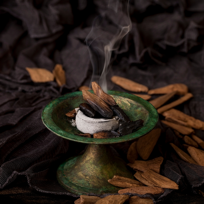 Lesser-Known Benefits of Wearing Oud Fragrance