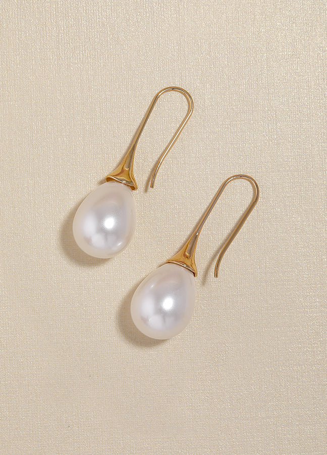 Classy Pearl Drop Earrings For Brides