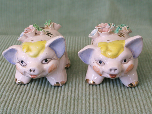 Smiling Pigs-Vintage Salt & Pepper Shakers