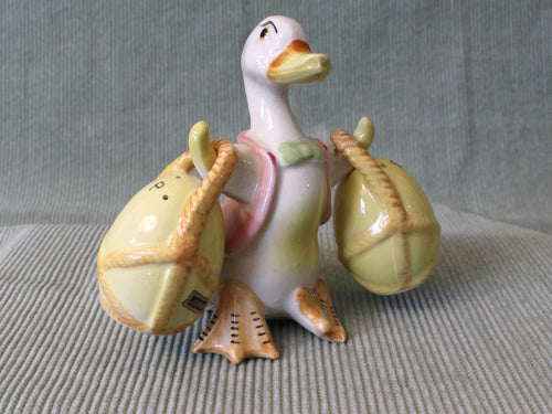 Duck with Baskets-Vintage Salt & Pepper Shakers