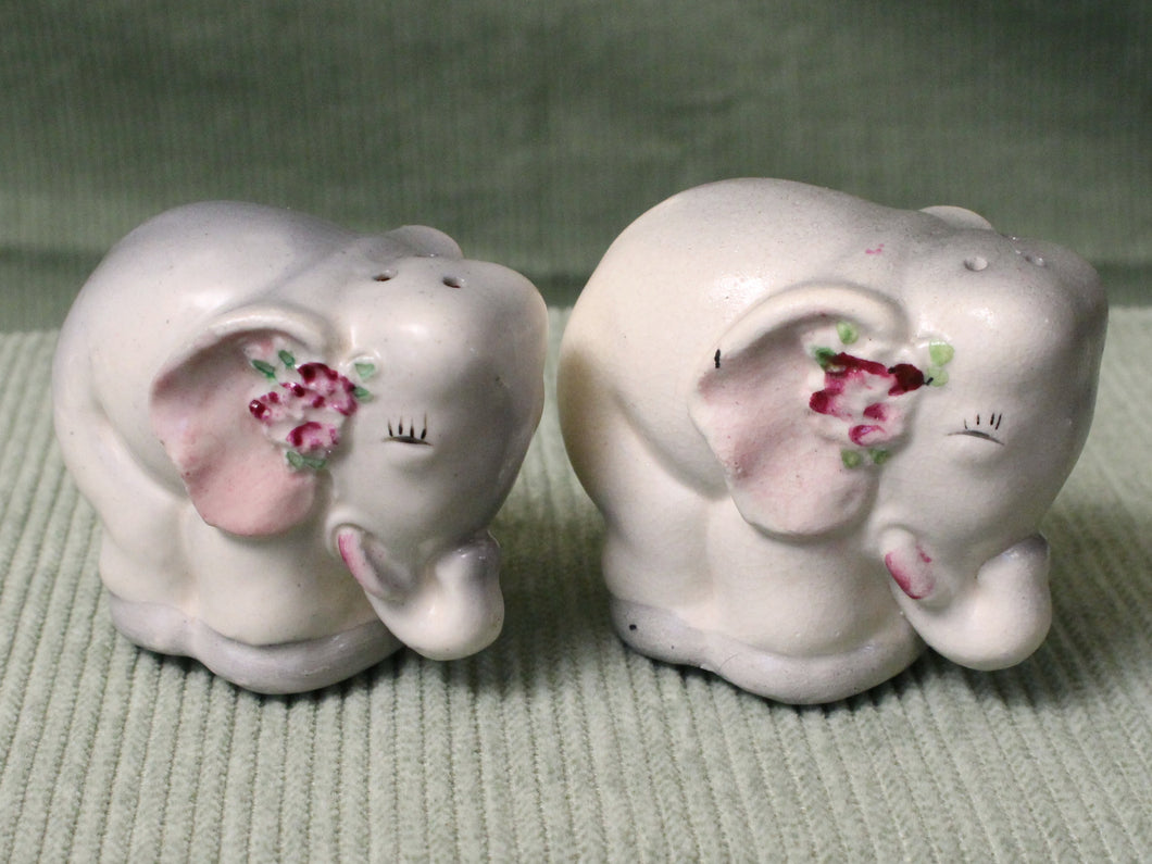 Flirty Elephants -Vintage Salt & Pepper Shakers