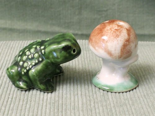 Toad and Mushroom -Vintage Salt & Pepper Shakers