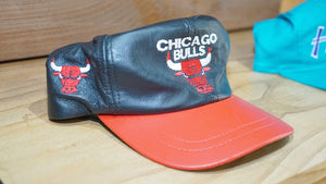 CHICAGO BULLS LEATHER 90'S SNAPBACK