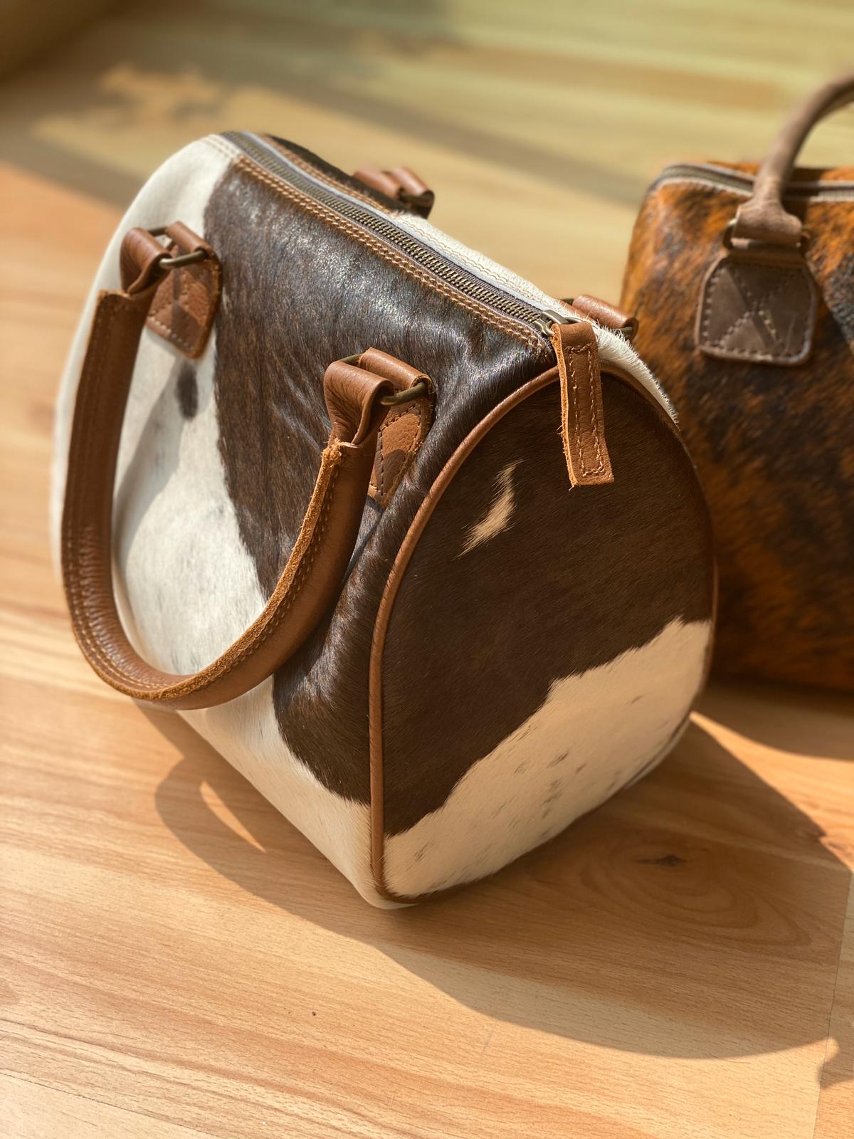 Frida cowhide purse