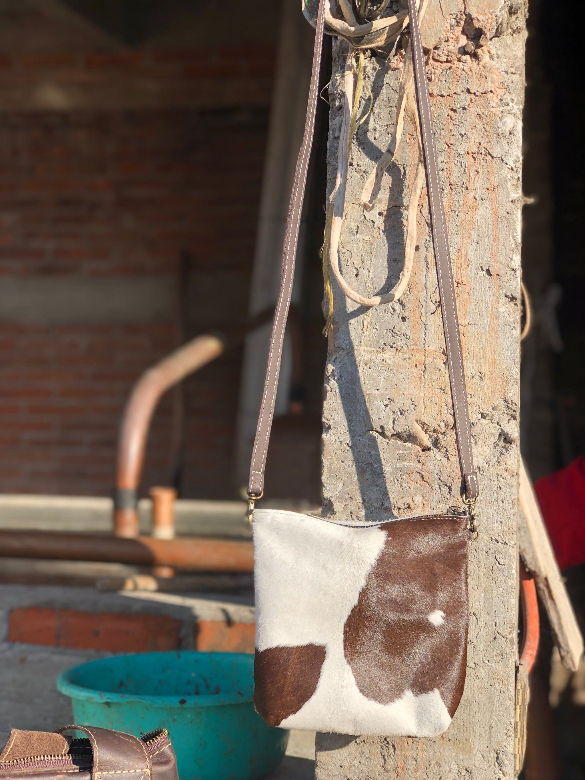 The Baja Crossbody Bag - Cowhide and leather