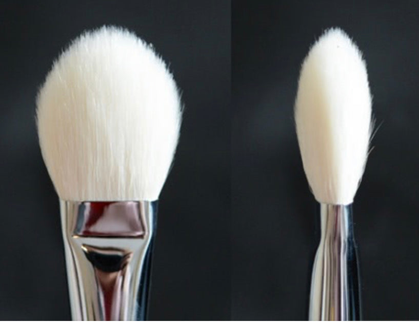 R&M 538 Face Focus Oval Powder Brush