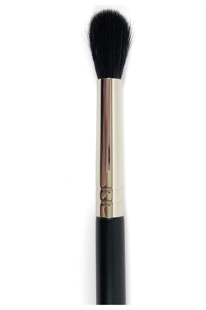 R&M 524 Fluff Round Crease Eyeshadow Blending brush - Mehliza Beauty