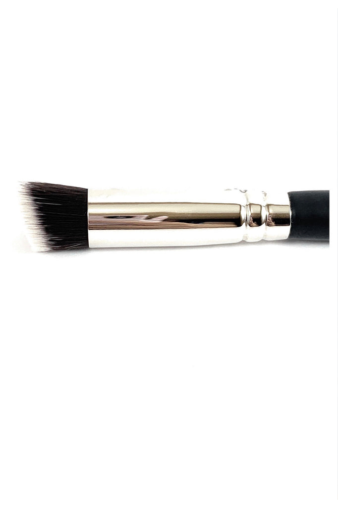 R&M 523 Sharp angled cut flat concealer brush - Mehliza Beauty