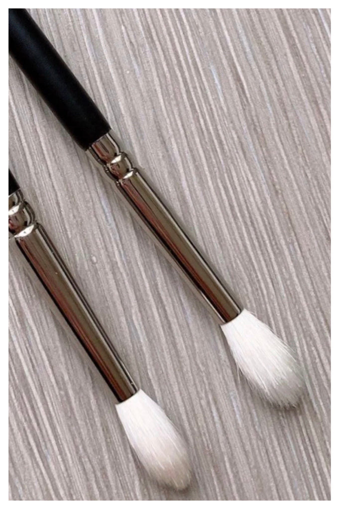 R&M 521 Mini Tapered Crease Blending brush - Mehliza Beauty