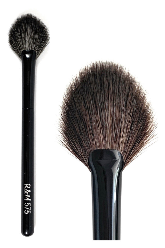R&M 575 Oval Fan Highlighter Brush - Mehliza Beauty London
