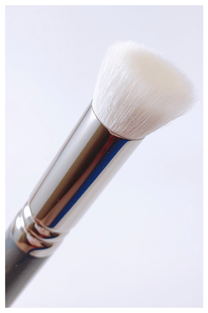M09 BASE POWDER BRUSH - Mehliza Beauty London