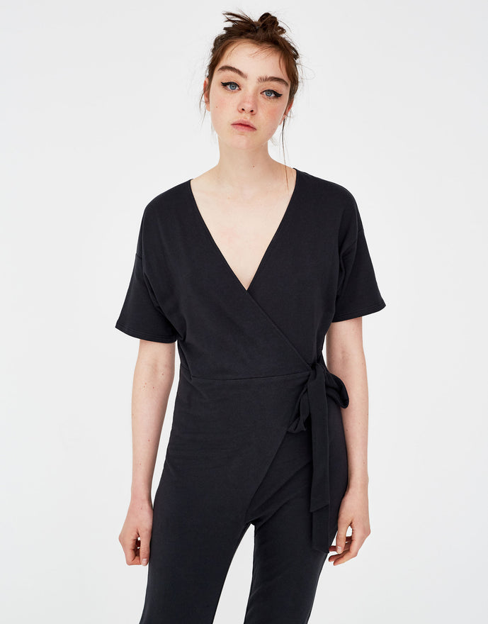 Long jumpsuit neckline