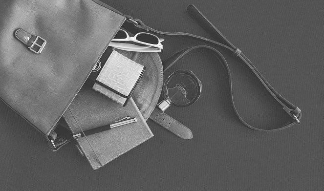 6 Simple Tips to Help Keep Your Purse Organized