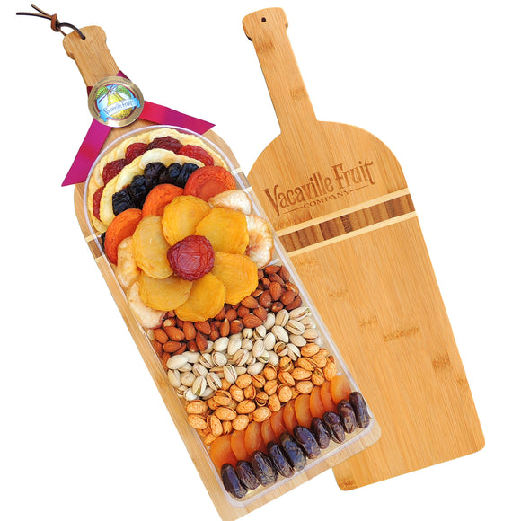 Vacaville Fruit Company 31 oz Dried Fruit & Nut Extra Large Wine Board