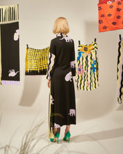 Load image into Gallery viewer, MONKEY WAVE KNITTED DRESS WITH COLLAR