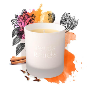 Winter candle with cinnamon, clove, sweet orange and lemongrass.