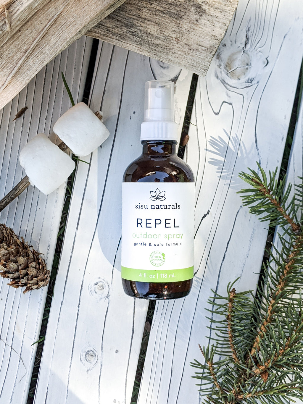 Natural outdoor spray to protect against nature without harmful ingredients, while keeping your skin moisturized with aloe juice. Safe for the environment.