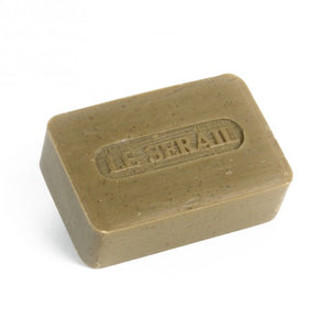 This authentic bar of olive oil soap from Marseille is used for both body and face cleansing. Soap for personal hygiene, with glycerin, no added fragrance and no coloring.