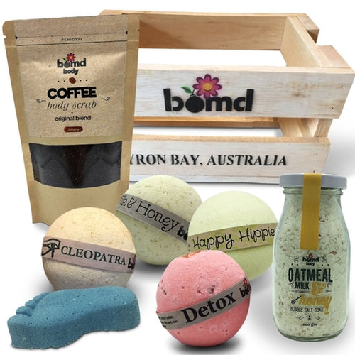 Bath & Body Gift Hamper with Body Scrub, Bubble Bath Bombs & Foot Soak
