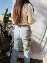 Load image into Gallery viewer, Vintage 70s Patched Levis
