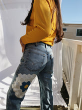 Load image into Gallery viewer, Vintage Patched Levis
