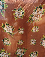 Load image into Gallery viewer, 60s Silk Scarf