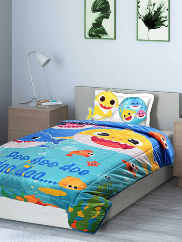 Saral Home Baby Shark Velvet Quilt with 2 Cushions- Blue, 135X210 Cms