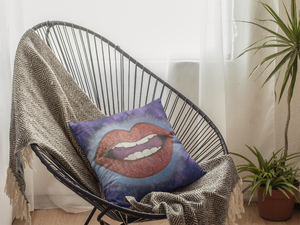 LoveLee Lips Cushion