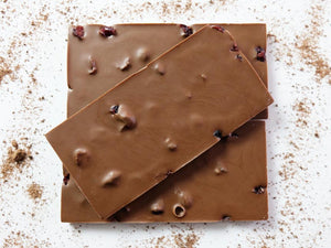 100g cranberry and orange milk chocolate bar