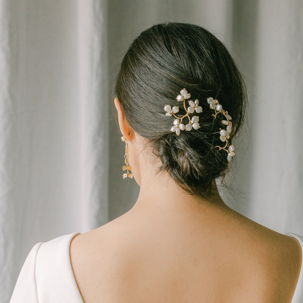 wedding hair pins with pearls flowers, bridal hair piece set BISOUS style 21002
