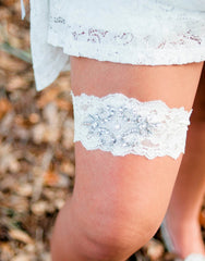 Ivory lace garter with rhinestone