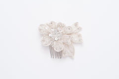 small beaded flower comb HP170684