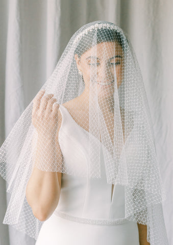 Drop veil with birdcage design tulle, soft bridal veil, blusher veil, circle veil - Poeme Style 21035