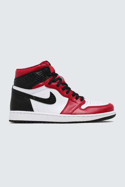 Air Jordan 1 Retro High Satin Snake Chicago