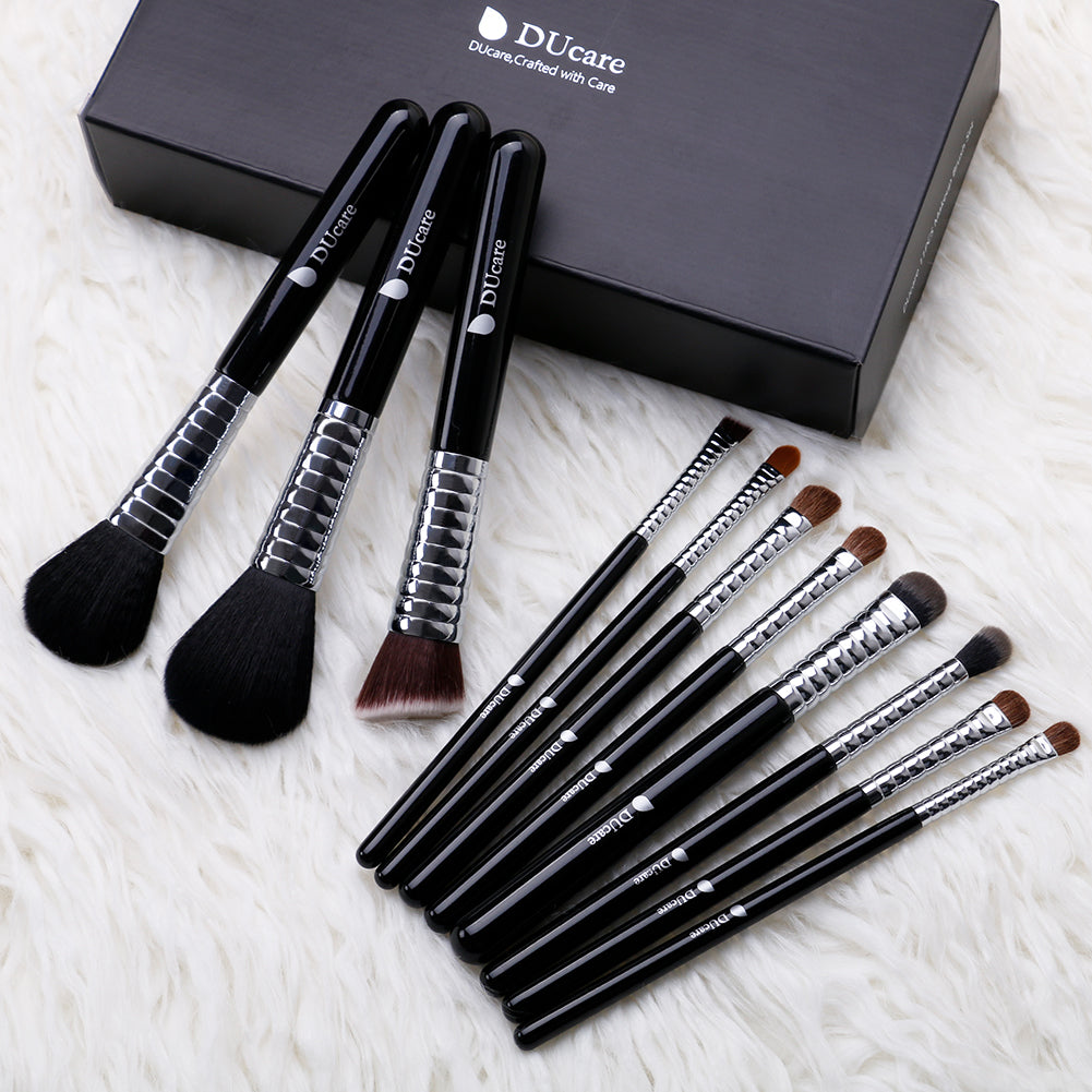 11in1 Powder / Eyeshadow / Eyebrow / Concealer / Foundation / Blending / Blush Brushes Set