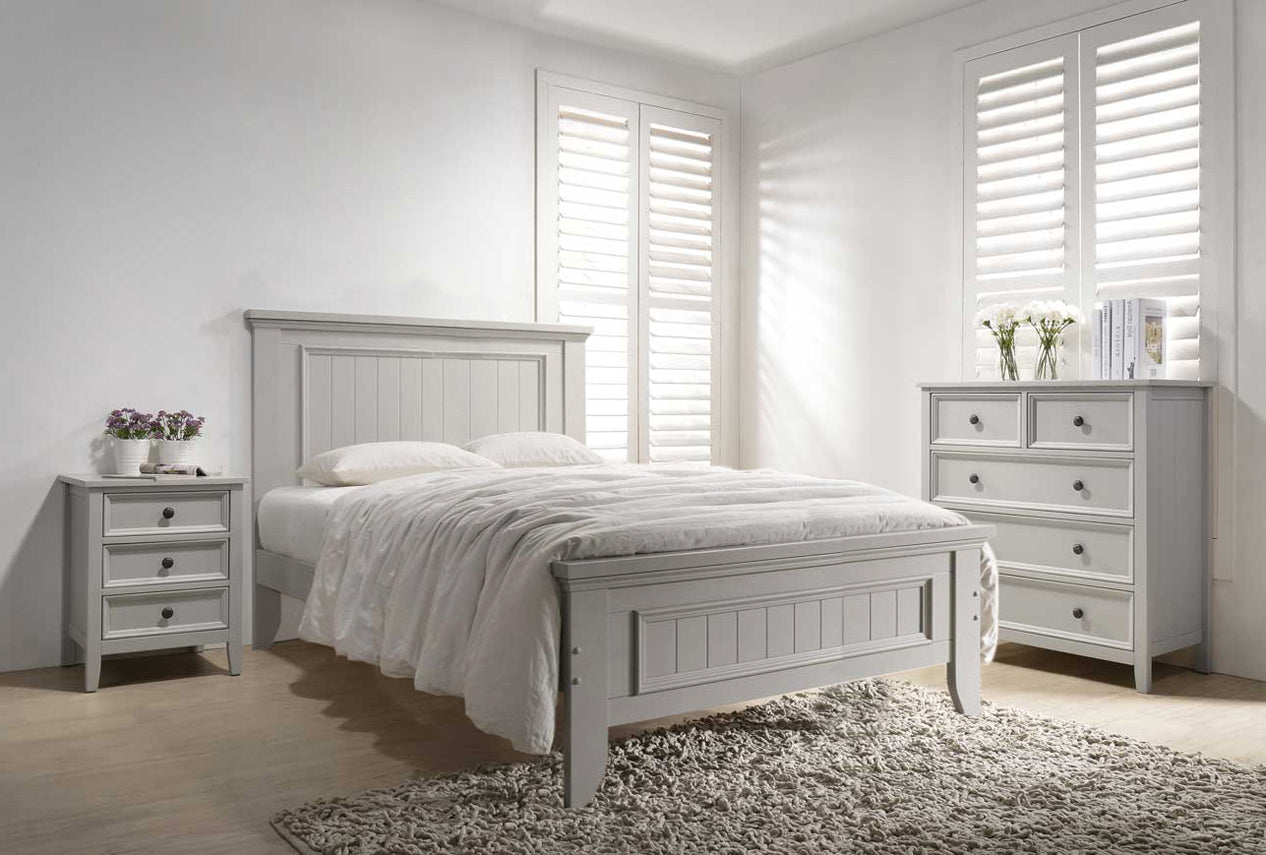 Mila Panelled Bed 4'6 Bed - Clay