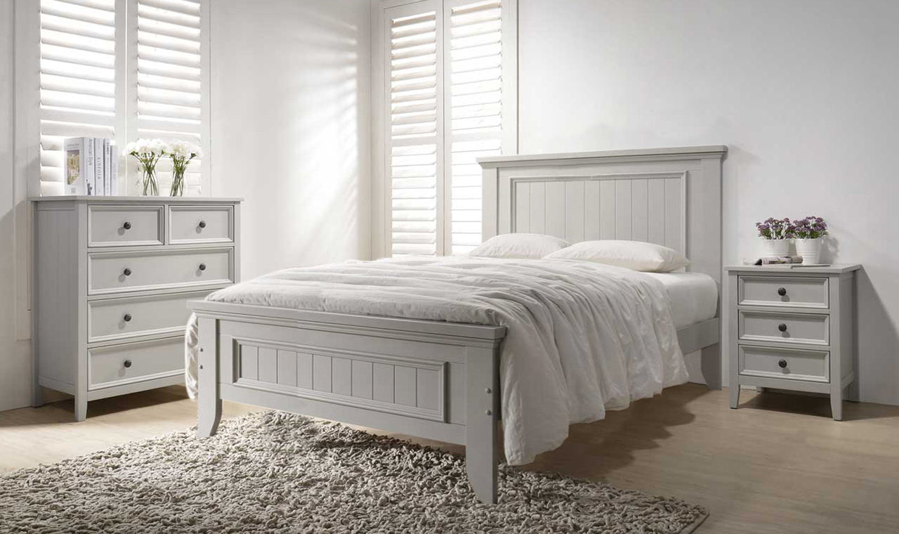 Mila Panelled Bed 4' - Clay