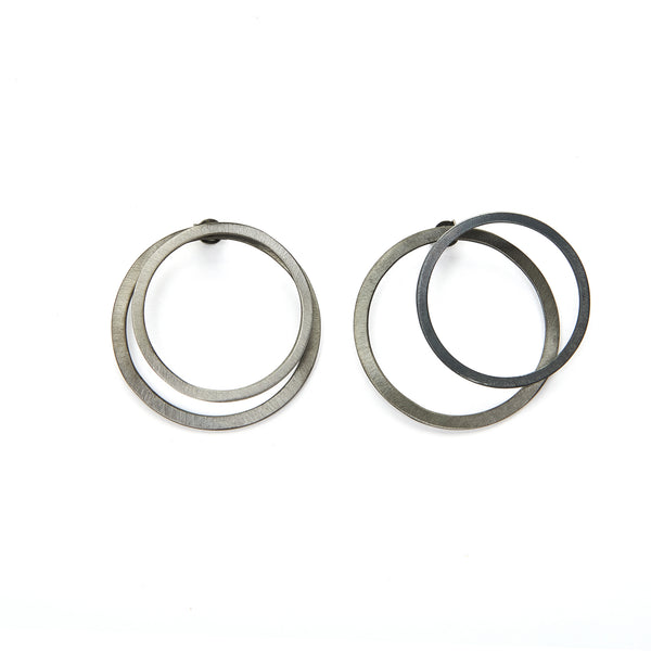 Circle ear jacket earrings in silver 925 or brass, gold-plated or platinum-plated that can be worn in more than one configuration. Wear both front and back geometric earrings in the front of the ear for a classy statement, just the front stud earrings for a minimal look, or add the back earrings for a special and unique look