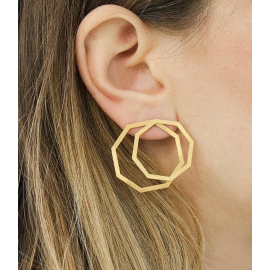 Polygon ear jacket earrings in silver 925 or brass, gold-plated or platinum-plated that can be worn in more than one configuration. Wear these two dimensional front and back earrings in the front of the ear for a classy statement, wear just the front geometric stud earrings for a minimal look or add the back earrings for a special and unique look