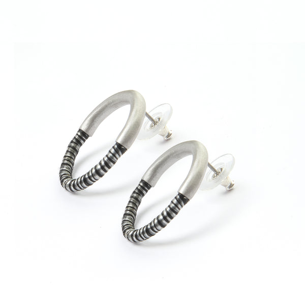 50/50 circle stud earrings S