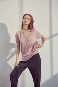 Relaxed Fit V-Neck - Rose Tan