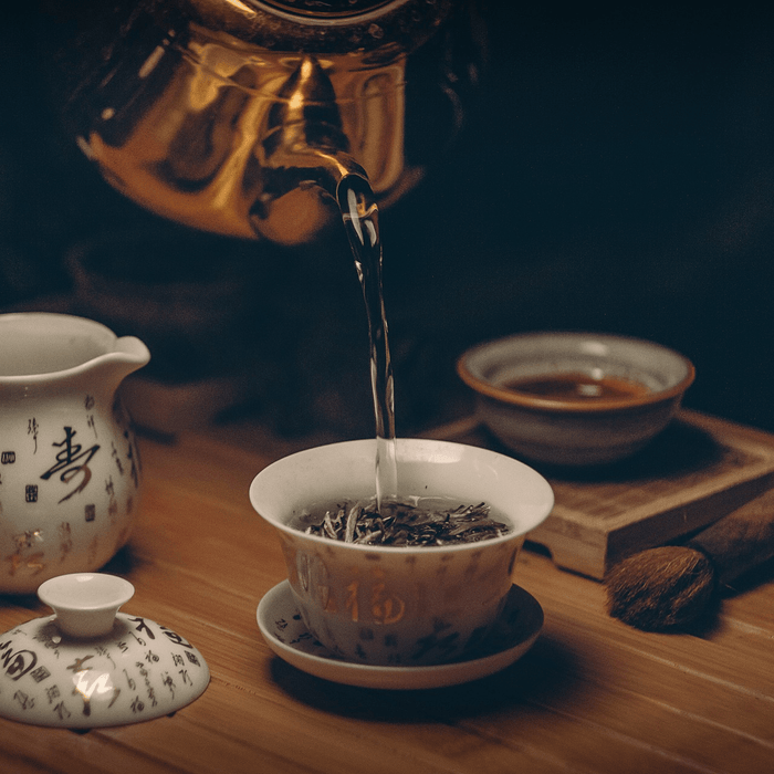 Pour Tea Japanese Traditional