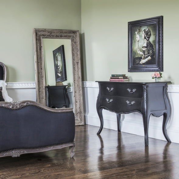 Here at The French Bedroom Company, we love a styling moment, and we love to re-style the same legacy pieces with seasonal touches throughout the year