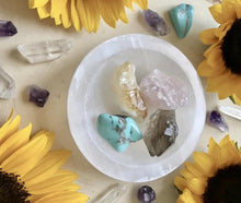 Load image into Gallery viewer, Reiki Charged Selenite Bowl