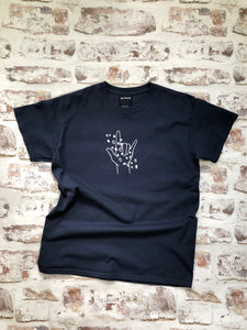 Love and Hearts sign language t-shirt - BSL ASL-