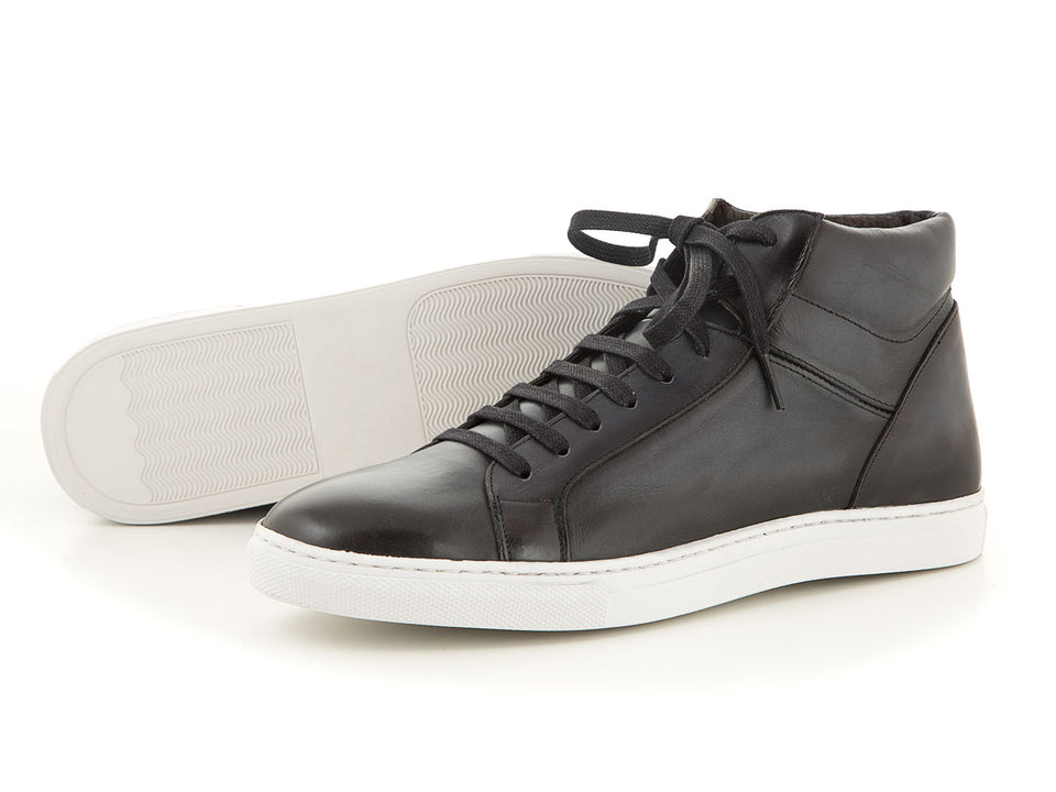 High-quality black leather sneaker | camino71