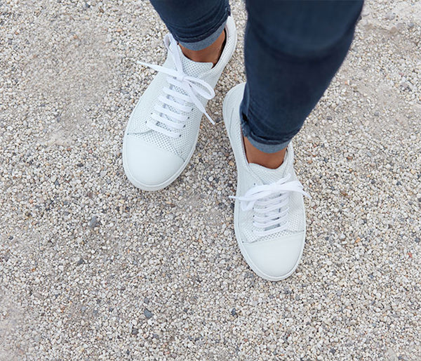 Sporty women's leather sneaker all white | camino71