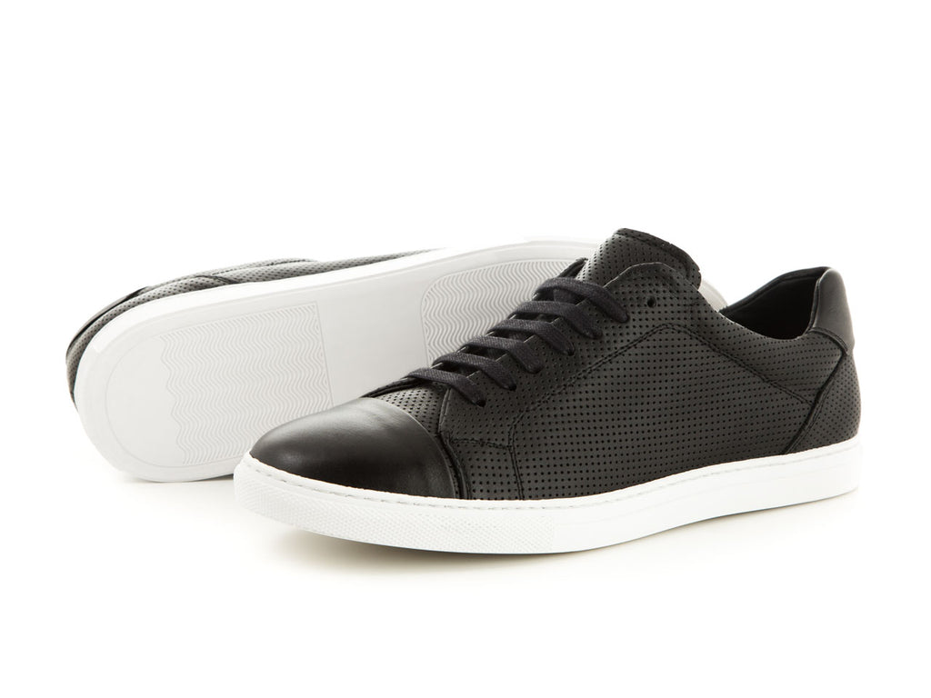 Sporty leather shoes black white | camino71