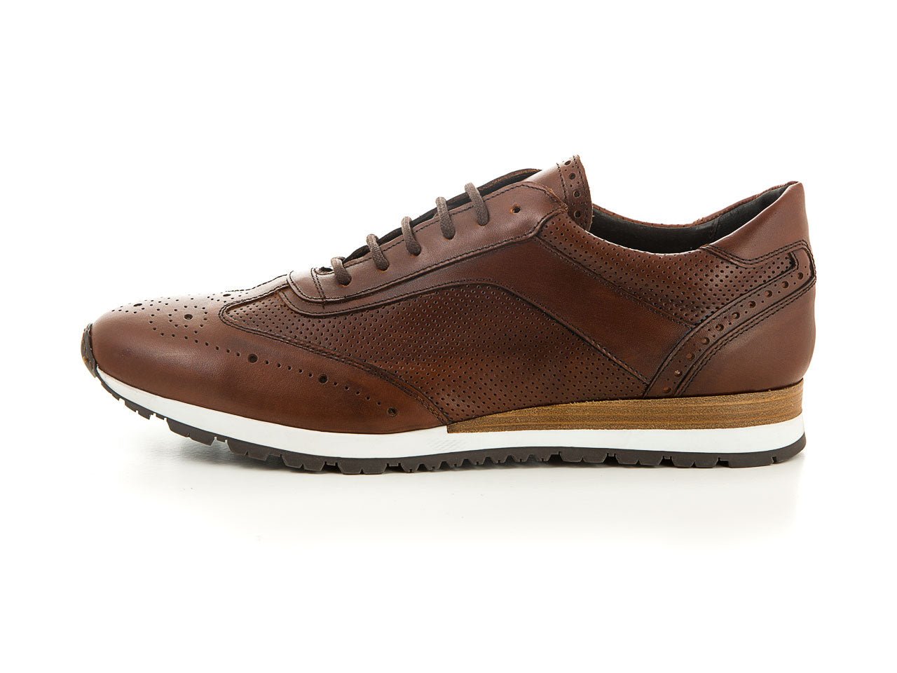 Elegant men's sneaker made of soft leather brown | camino71